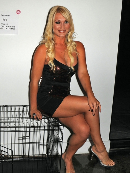 Brooke Hogan nude pics from PETA campaign (NSFW