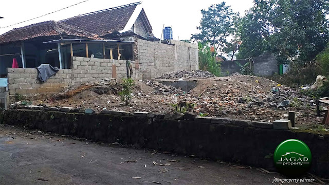 Tanah dekat Masjid Suciati Saliman, Sleman