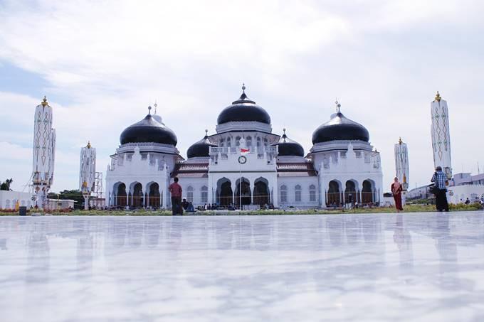 Doa Masuk Masjid dan Keluar Masjid, Etika dan Adab