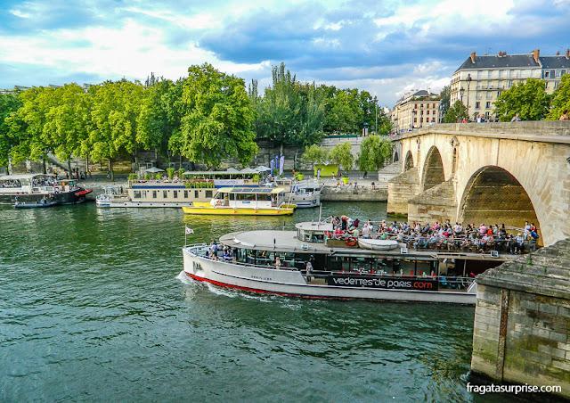 Passeios de barco pelo Rio Sena, Paris