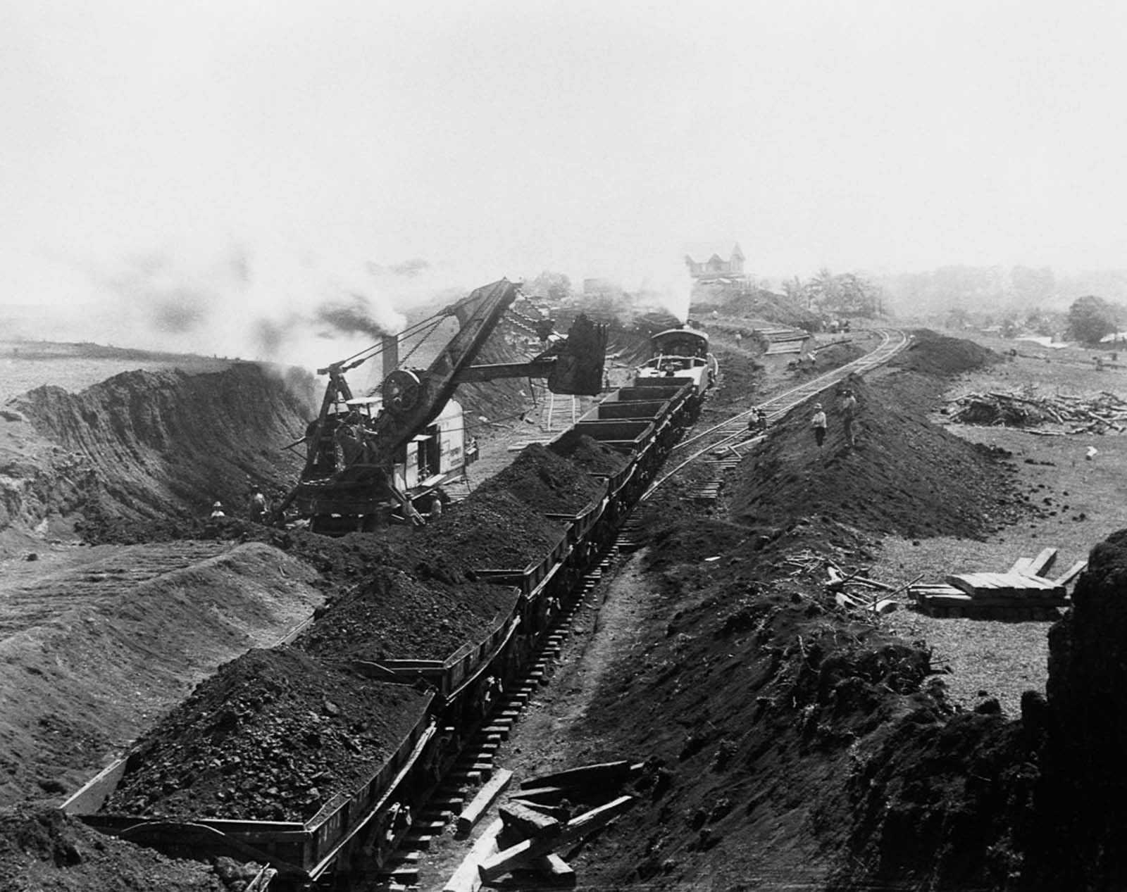 Earth is excavated at the site of the Gatun Locks. 1907.