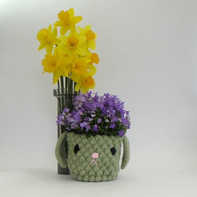 crocheted plant pot holder