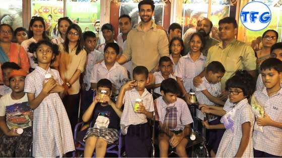 Super 30: Nandish Singh Watches 'Super 30' With Orphanage Kids