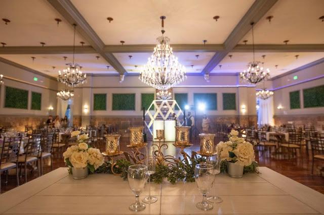 reception sweetheart table decor