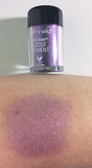 wet n wild coloricon Loose Pigment Mythical Dreams swatch