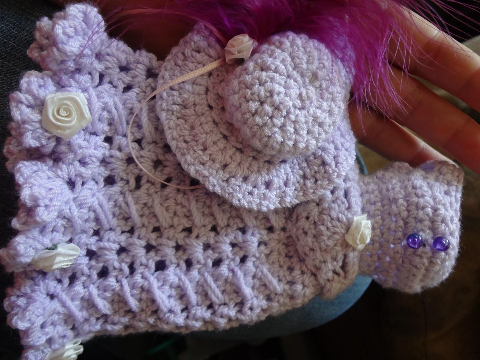 Niftynnifer s Crochet   Crafts  Crochet Barbie Hat Free Pattern 058fcd3b253