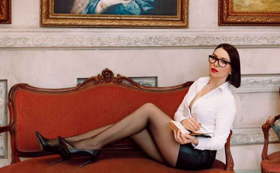 https://www.glamourcams.live/chat/GiulianaViviani