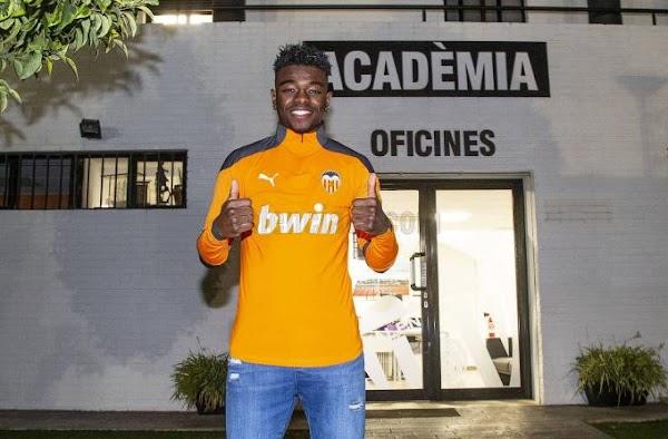 Oficial: Valencia Mestalla, firma cedido William De Camargo