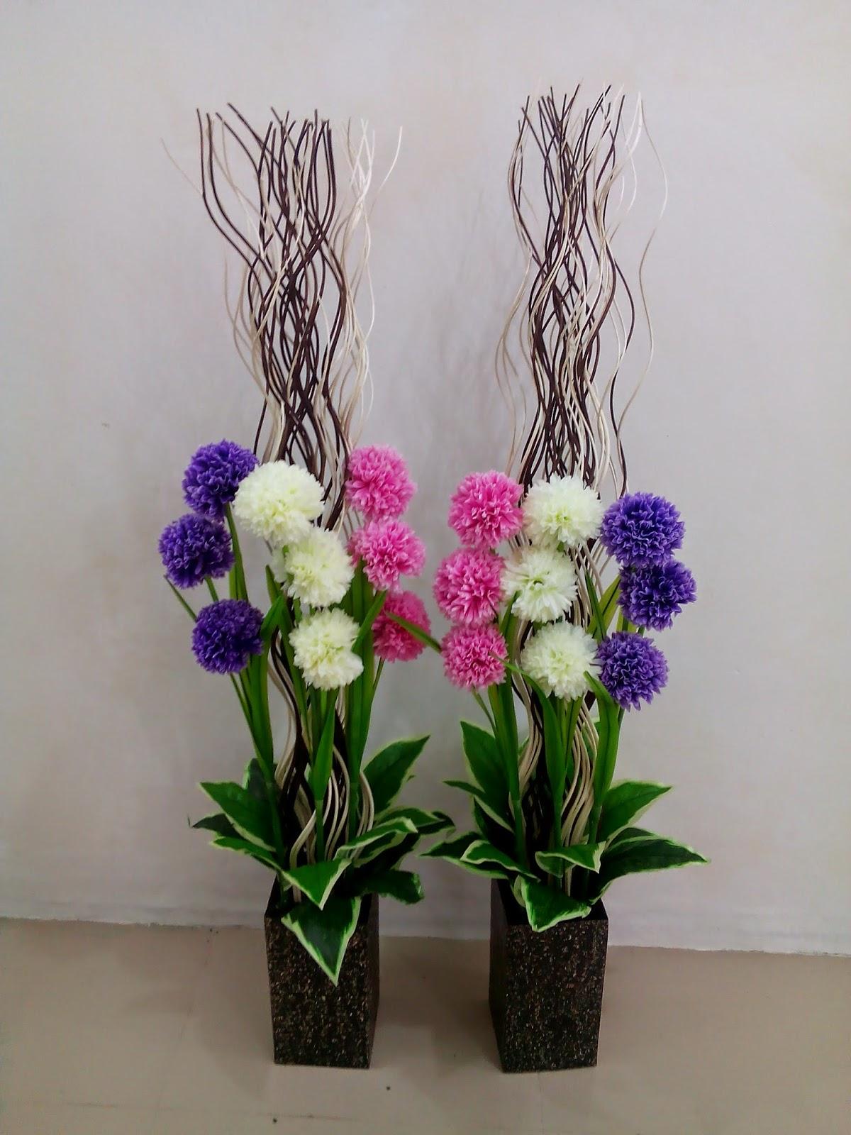 Seni Merangkai Bunga Cara Meja Dan Sudut Hiasan Ruang Tamu Desainrumahid