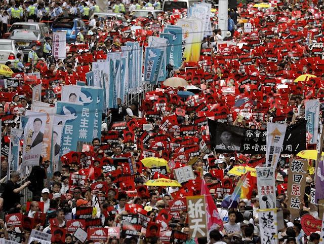 Người dân Hong Kong xuống đường biểu tình vì điều gì?