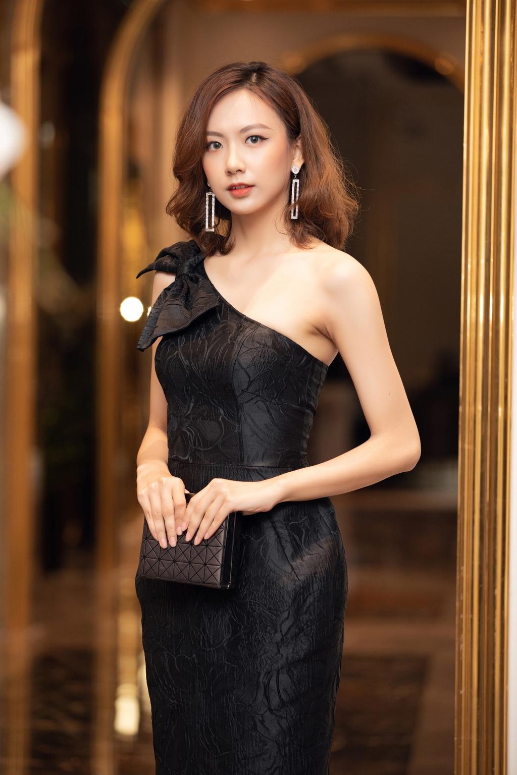 Hai thí sinh cao trên 1,8 m của Hoa hậu Việt Nam