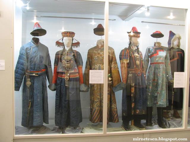 Музей истории Бурятии - национальные костюмы