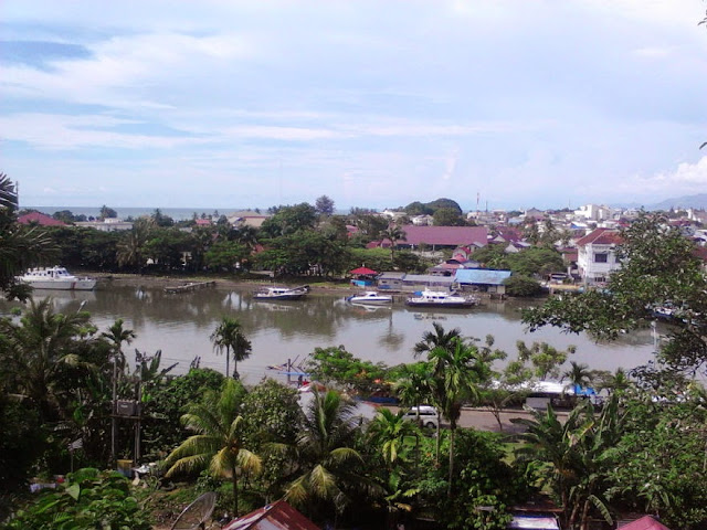 Eksotisme Pelabuhan Muara Padang