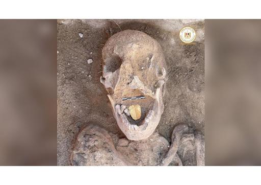 Alessandria d'Egitto: rinvenuta mummia con lingua d'oro