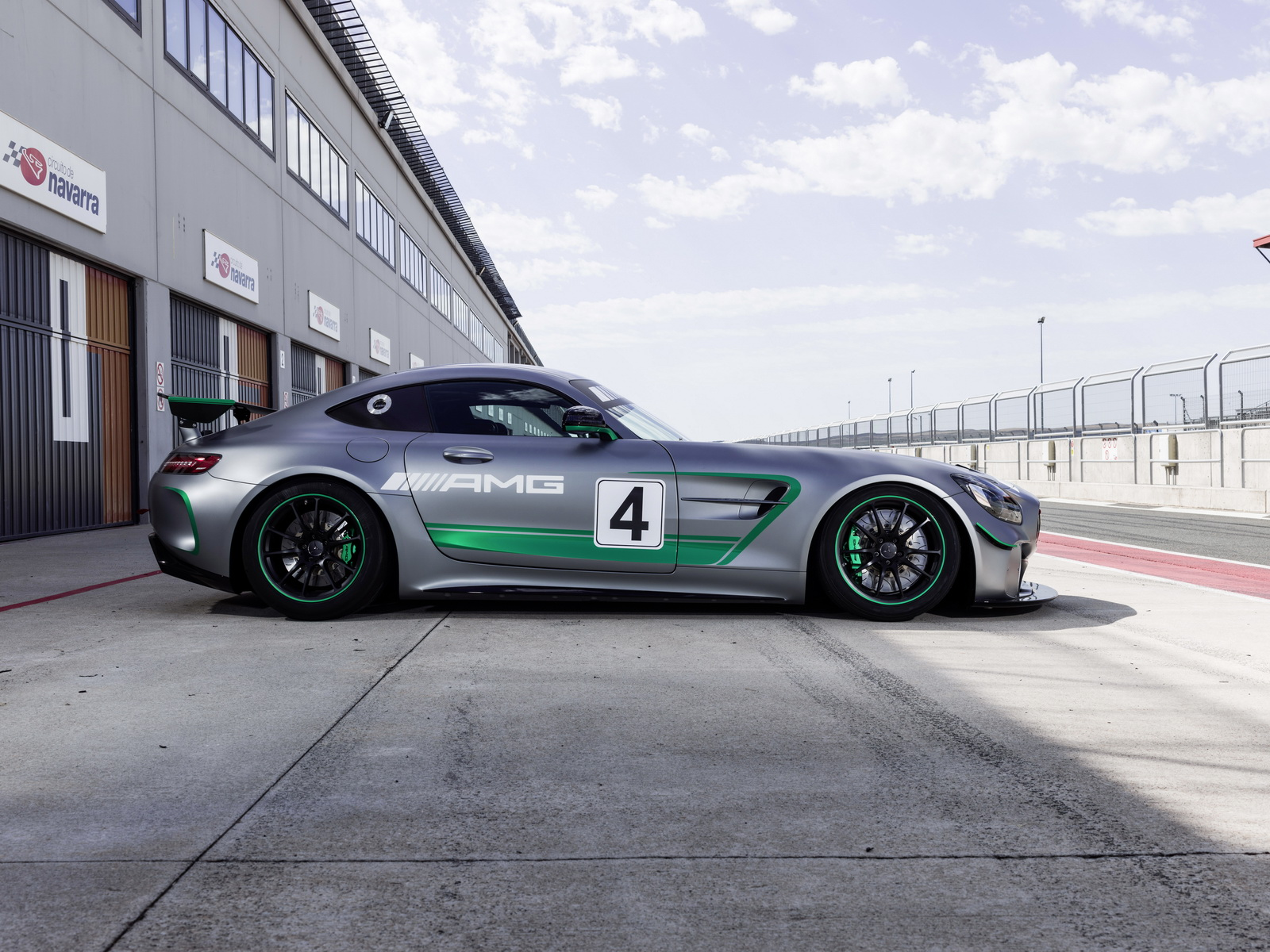 new mercedes amg gt4 race car reporting for duty at spa francorchamps. Black Bedroom Furniture Sets. Home Design Ideas