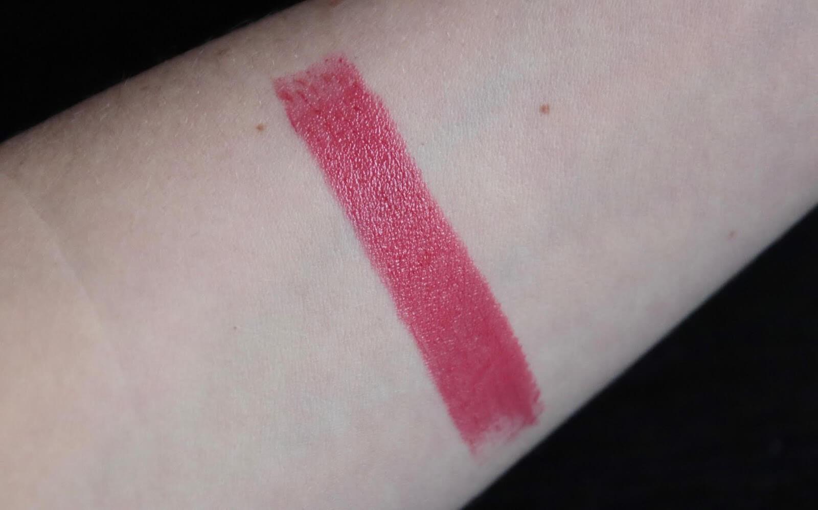 Laduree Les Merveilleuses Maquillage Rouge Swatch