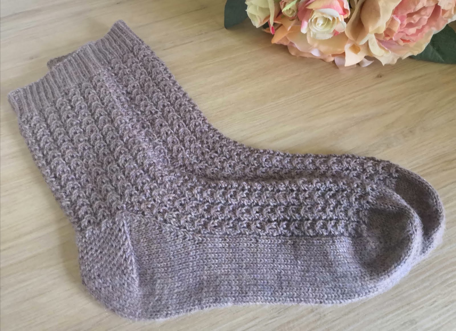 Pattern review Shell Cottage Socks from The Handmade Sock Society Season 2