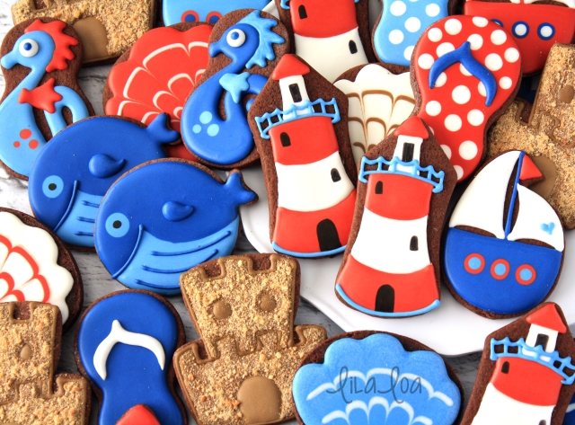 Video cookie decorating tutorial for lighthouse sugar cookies!