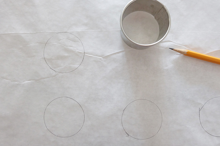 drawing circles on parchment paper