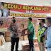 Kapolda Sumsel Menyerahkan Bantuan Peduli Bencana NTT
