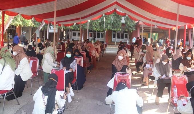 Antusiasme Mahasiswa Ikuti Gerakan Vaksinasi di Kampus UIN Banten
