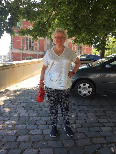 Kaffesoester wearing white sequin top from Next