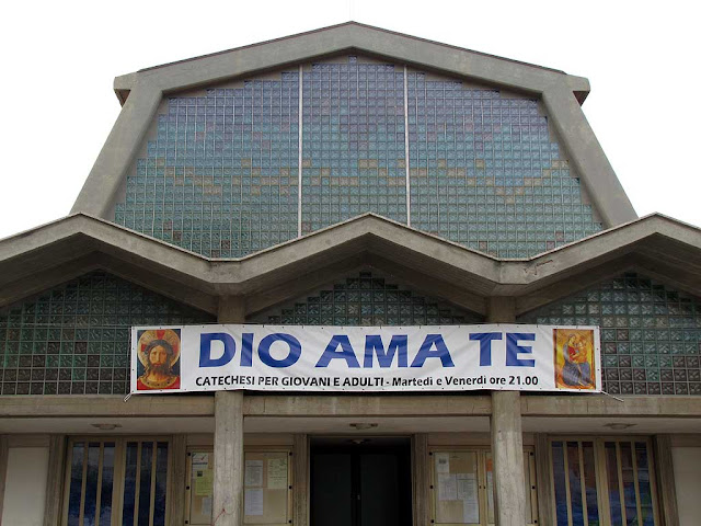God loves you sign, Sant'Agostino church, piazza Aldo Moro, Livorno