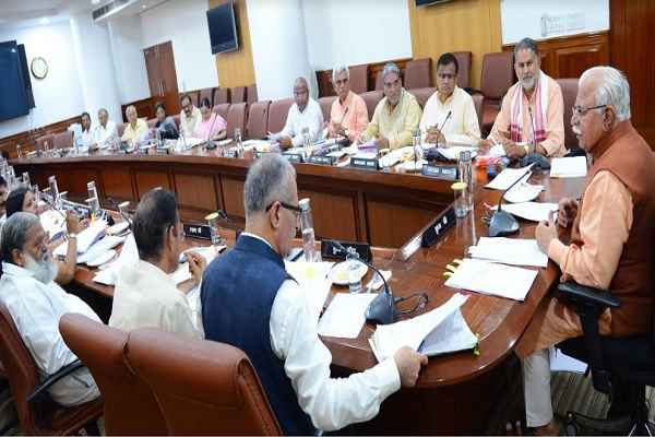 cm-manohar-lal-meeting-with-old-cabinet-ministers-haryana-news