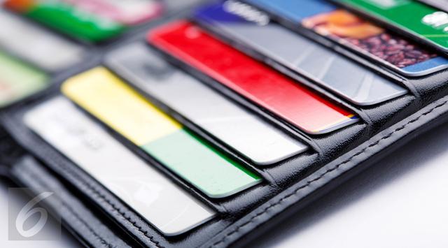Tips Belanja Online Aman Gunakan Kartu Kredit