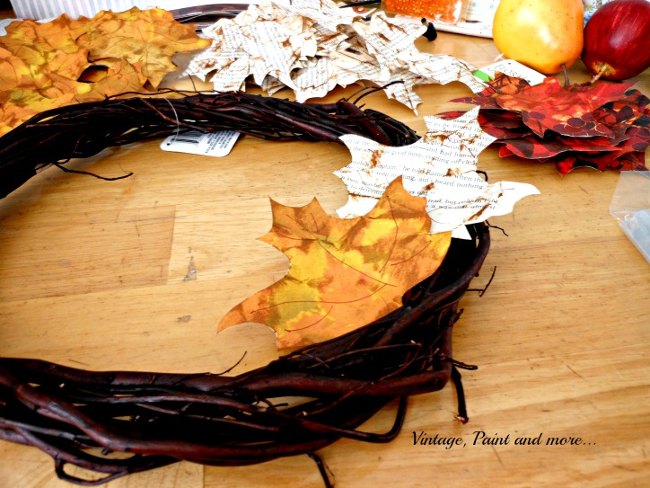 Vintage, Paint and more... fall wreath made with grapevine form and leaves of paper