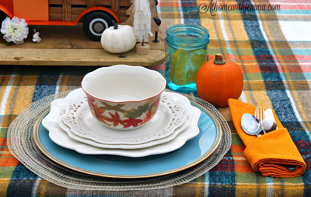 Alfresco, Thanksgiving, Dinner, Vintage, plaid, athomewithjemma
