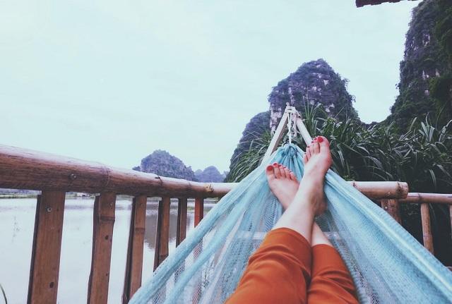 hammock feet river view