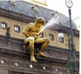 Patung Onani, Praha