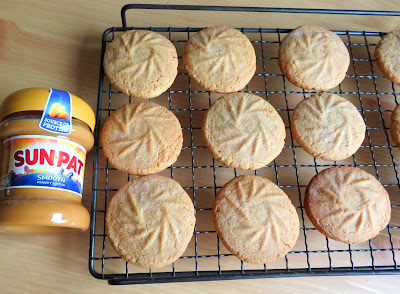 Small Batch Peanut Butter Cookies