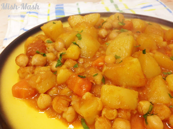 Картофена яхния с нахут