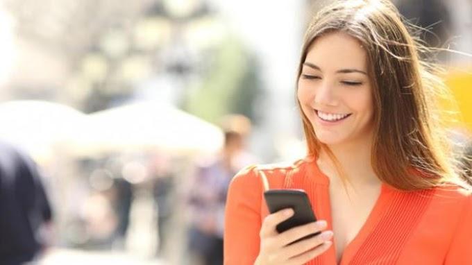 4 Karakter Kepribadian Menurut Cara Menggenggam Handphone