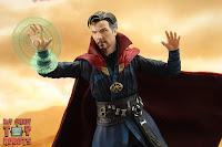 S.H. Figuarts Doctor Strange (Battle On Titan Edition) 37