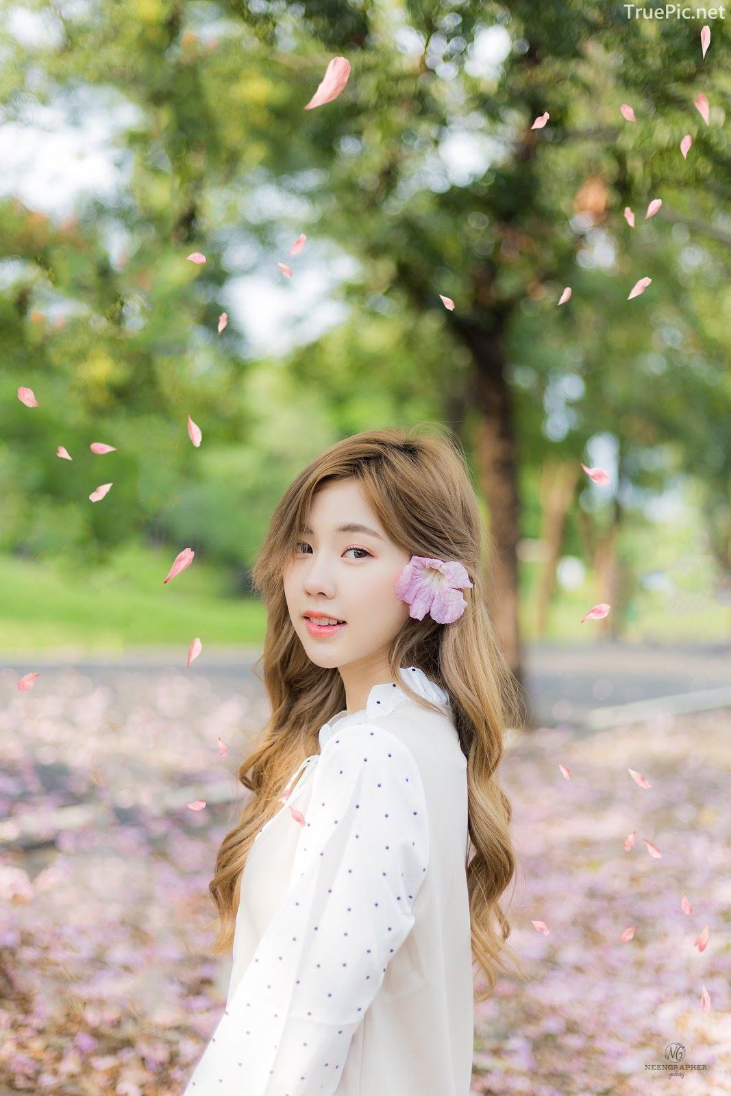 Thailand cute model Nilawan Iamchuasawad - Beautiful girl in the flower field - Photo by จิตรทิวัส จั่นระยับ - Picture 7