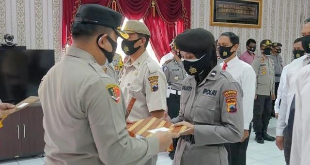 Lima Personel Terima Penghargaan dari Kapolresta Surakarta