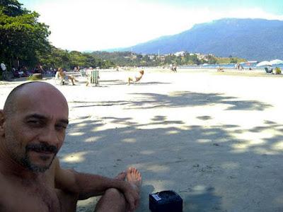 Sombra e água fresca! Descansar à sombra de uma árvore na praia de Barequeçaba é a melhor pedida para quem quer relaxar!