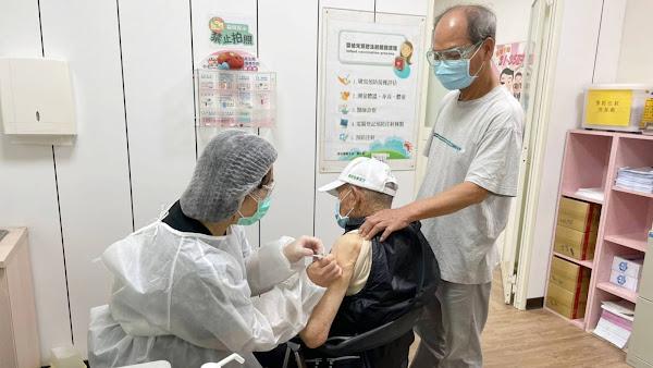 彰化縣85至89歲長者開打疫苗 204家接種站就近施打