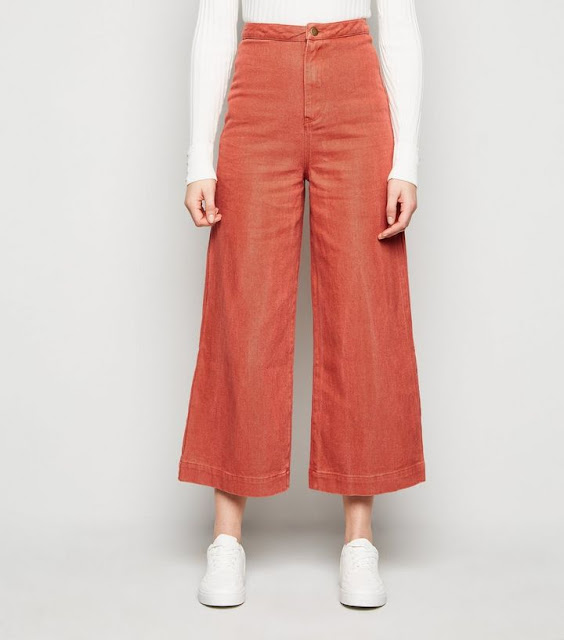 Combine plain tops with bright culottes