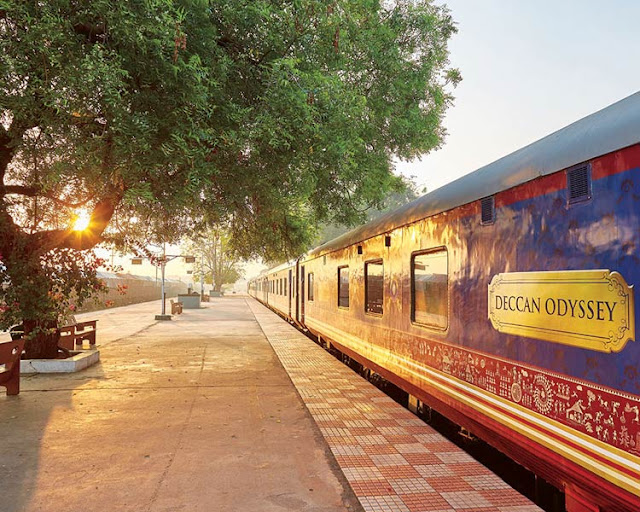 Best Luxury Train in india 2 Day Free Travel