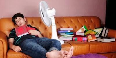 sepuluh bahaya menyalakan kipas angin saat tidur malam