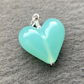 andmade lampwork glass heart bead pendant by Laura Sparling made with CiM Sea Glass