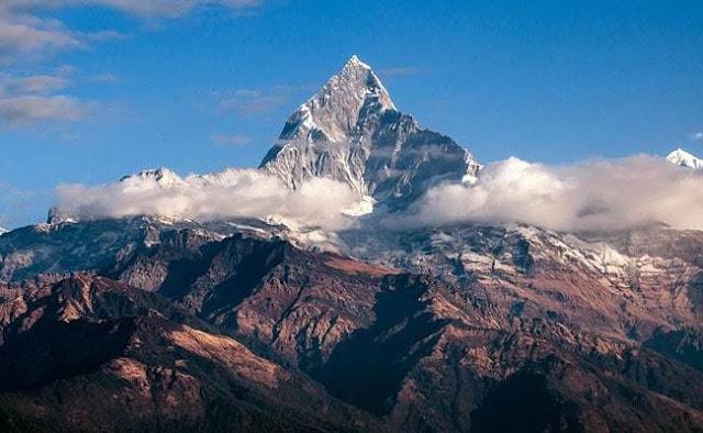 8 ορειβάτες σκοτώθηκαν από χιονοθύελλα που τους διαμέλισε στο όρος Γκούρτζα στο Νεπάλ