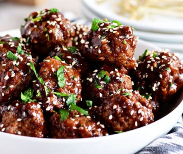 Asian Meatballes With Teriyaki Sauce