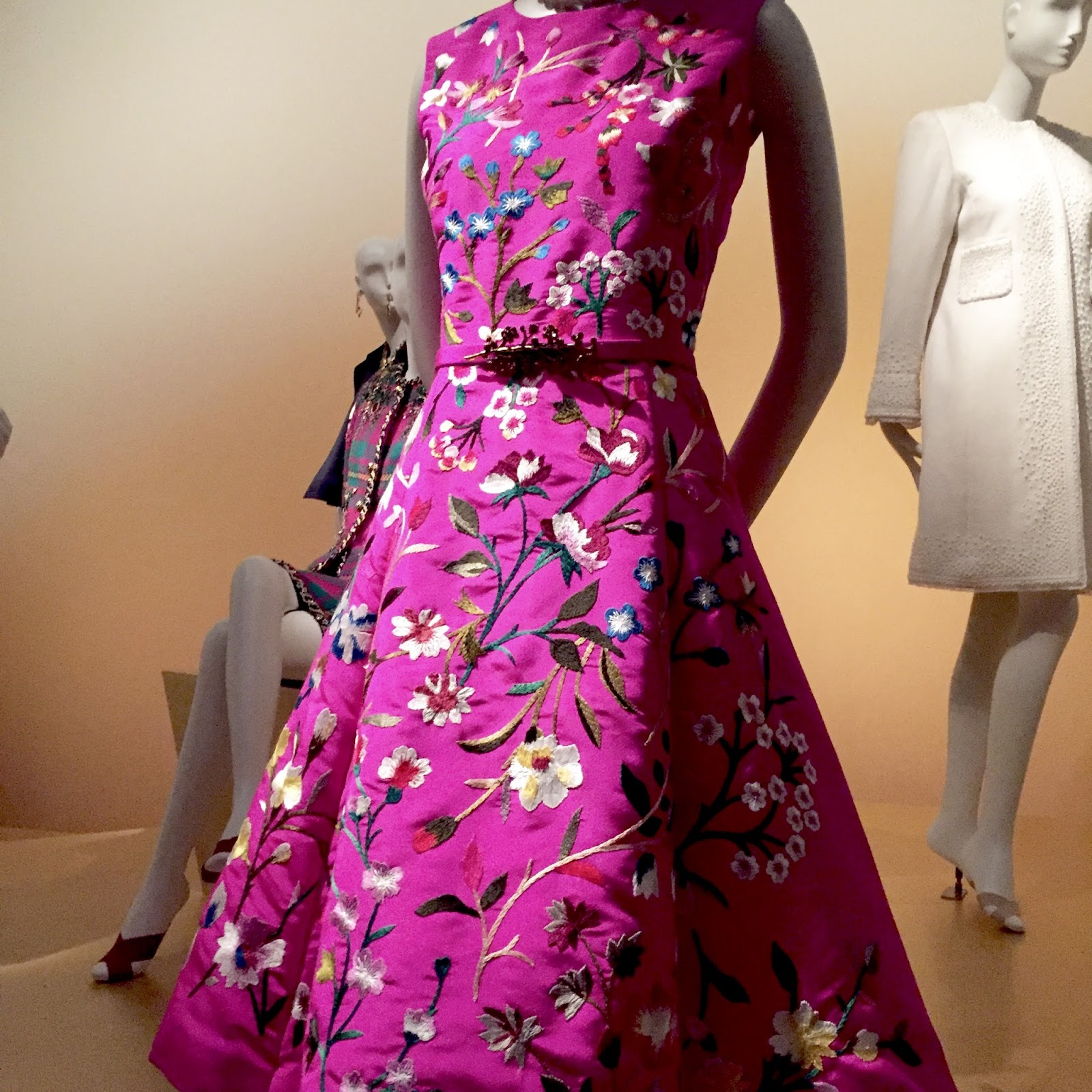 See The EXQUISITE Exhibit by Oscar de la Renta - Classic