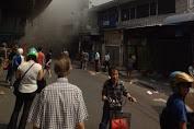 Pedagang Pasar Pagi Panik Saat Melihat Gudang Kembang Api Kebakaran