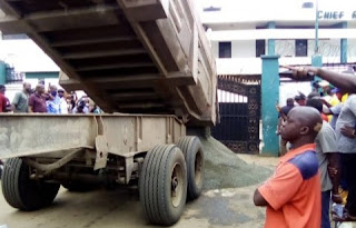 Confusion As Obaseki Heaps Sand In Front Of Edo Assembly, Over Impeachment Scare (Photos)